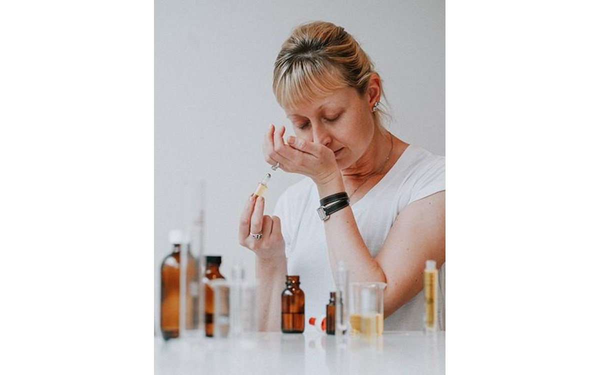 PODCAST EPISODE 5 - ESSENTIAL PERFUME OILS WITH NINA HARGRAVE